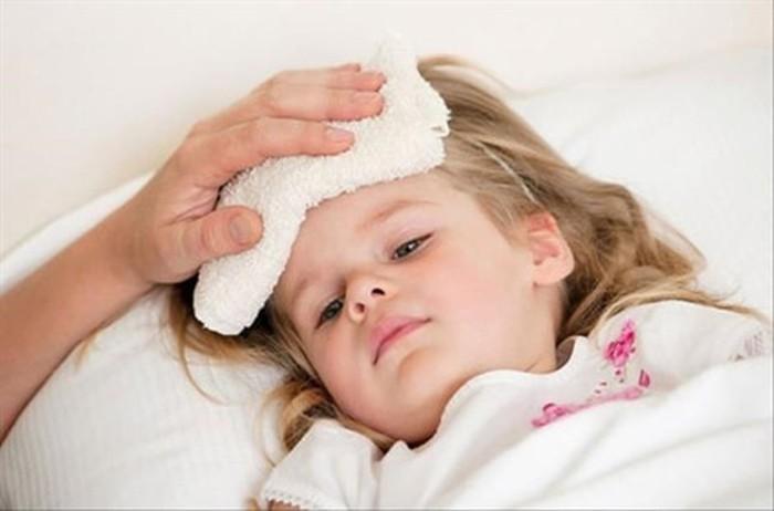 Cách hạ sốt cho trẻ sơ sinh khi tiêm phòng được các chuyên gia khuyến cáo nên áp dụng