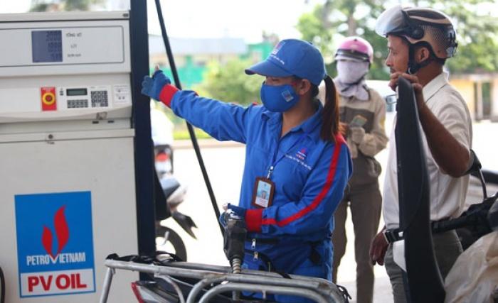 Chiều 2/5: Giá bán lẻ xăng dầu trong nước khó thoát đợt tăng mạnh
