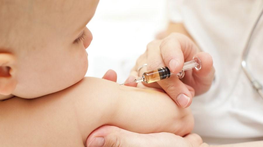 Các mũi tiêm phòng cho trẻ không thể bỏ qua – Các mẹ quên, con thiệt thòi