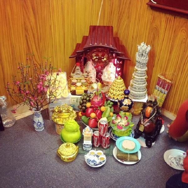 Hướng dẫn cách lập bàn thờ Thần Tài – Ông Địa để kích hoạt TÀI LỘC cho gia chủ