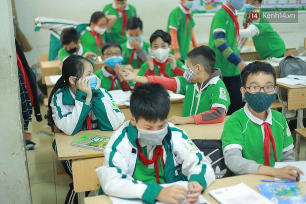 HOT: Sinh viên, học sinh THPT có thể đi học trước; mầm non đến THCS nghỉ tiếp 2 tuần