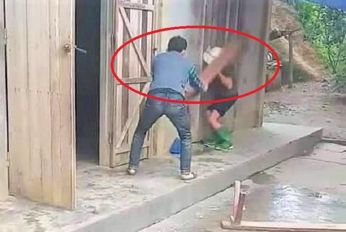 Vụ nghịch tử dùng ghế đánh mẹ già: Xử lý hình sự người đánh và người quay clip