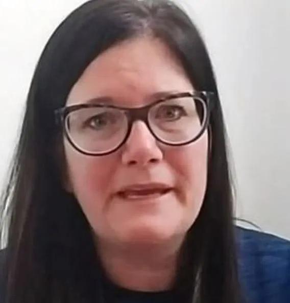 Nữ y tá tuyệt vọng vì 8 lần dương tính với COVID-19 trong vòng 50 ngày