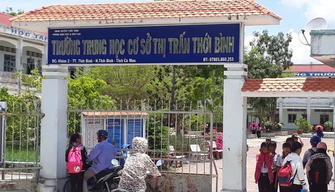 Cà Mau: 60 học sinh ngất xỉu tại trường