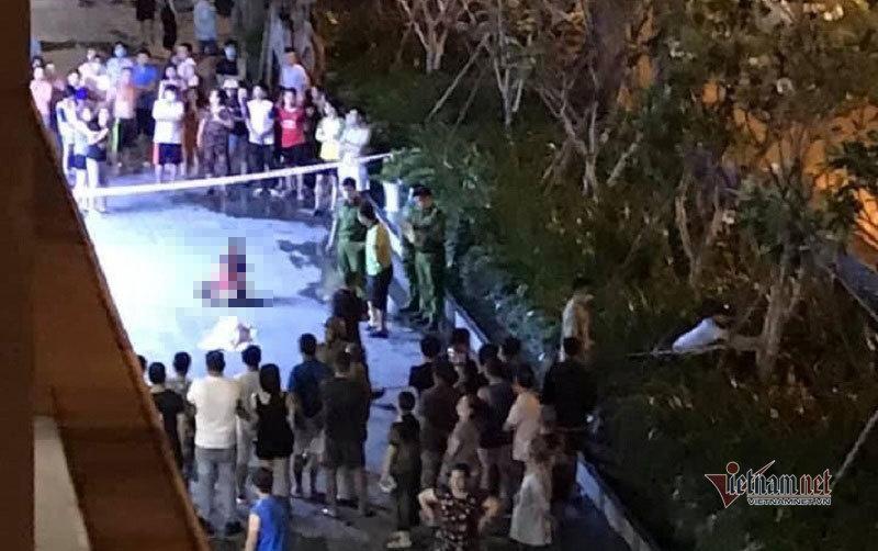 Bé trai rơi từ tầng 8 chung cư tử vong, người thân gào khóc bên thi thể