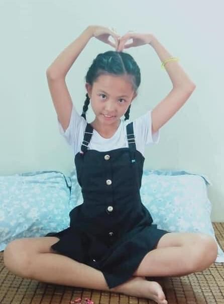 """Bé gái 11 tuổi """"mất tích"""" bí ẩn sau khi đạp xe đến trường"""