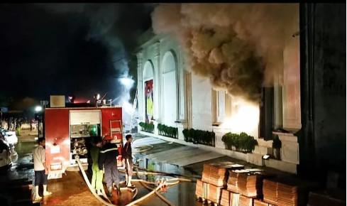 Vĩnh Phúc: Cháy lớn tại quán bar X5 trong đêm, 3 cô gái trẻ tử vong