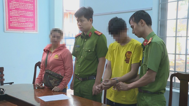 Hai thanh niên quan hệ 6 lần với nữ sinh lớp 7 bị bắt