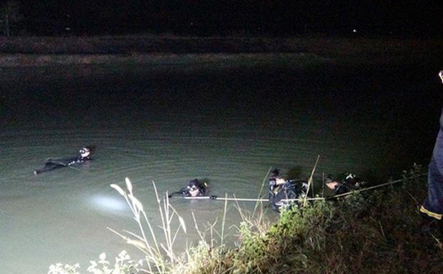 Vụ người mẹ ôm 2 con nhảy cầu tự tử sau khi đăng status buồn: Đã tìm thấy 2 thi thể
