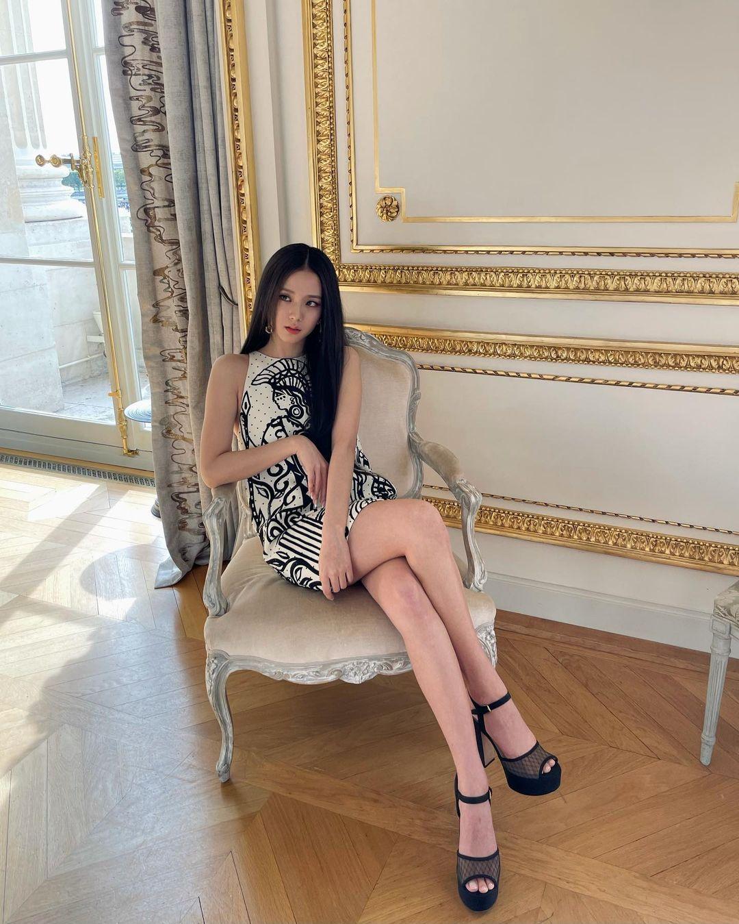 Vừa dự Fashion Week, Jisoo (BLACKPINK) đã ẵm trọn… 400 tỷ chỉ với vài bức ảnh?