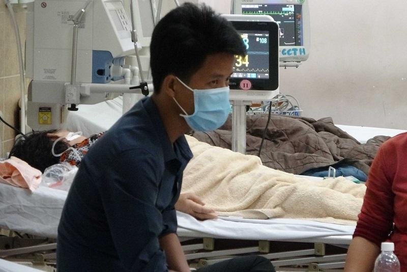 Đồng Nai: 3 người tử vong, nhiều người nhập viện do ngộ độc rượu