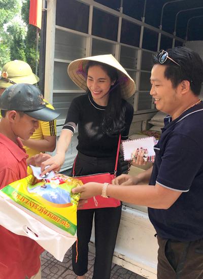 Thủy Tiên công bố xác nhận của Hà Tĩnh về tiền cứu trợ lũ lụt