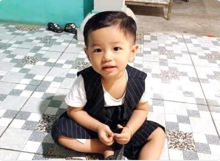 """Mẹ bé trai 2 tuổi mất tích: """"Có người lừa đảo là đang giữ con em để tống tiền"""""""